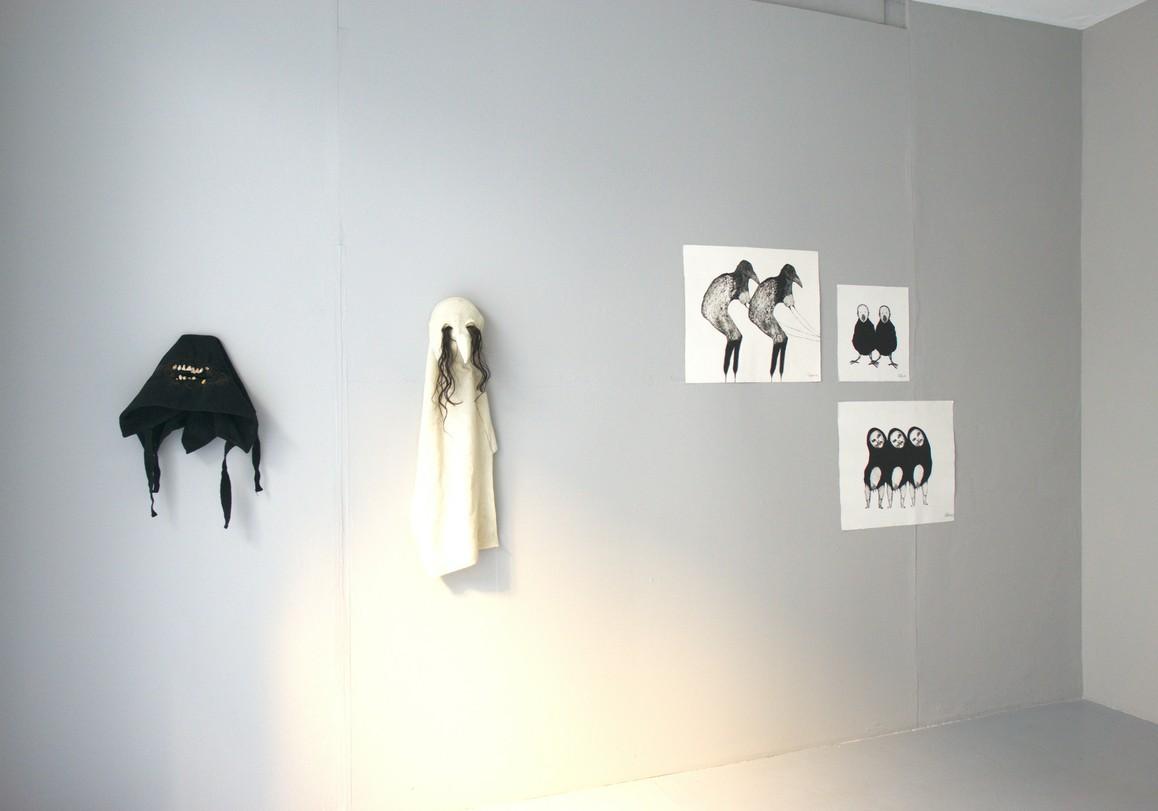 Saba Niknam »Masken« (Shape Shifting) 2013, Mischtechnik / Plexiglas Kaltnadelradierung auf Papier