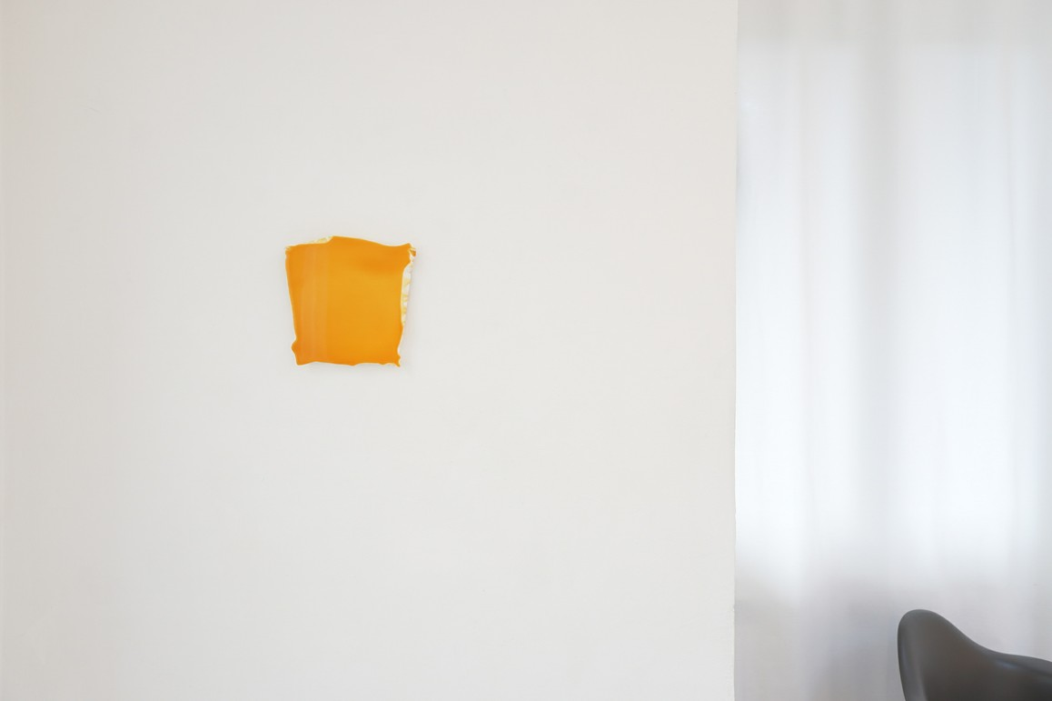 o.T. 2019, Acryl auf Gips, 25 x 25 cm