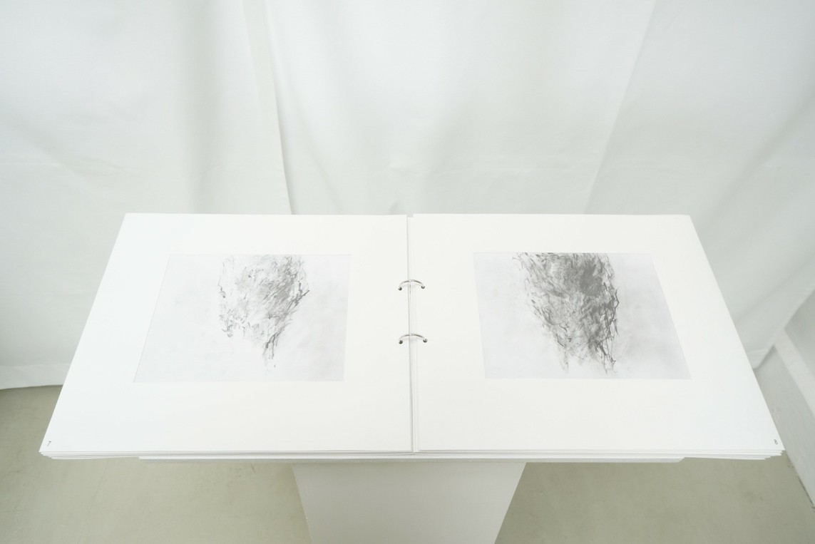 Mappe »Männeransichten II« / Serie von 13 Bleistiftzeichnungen, je 19 x 26 cm