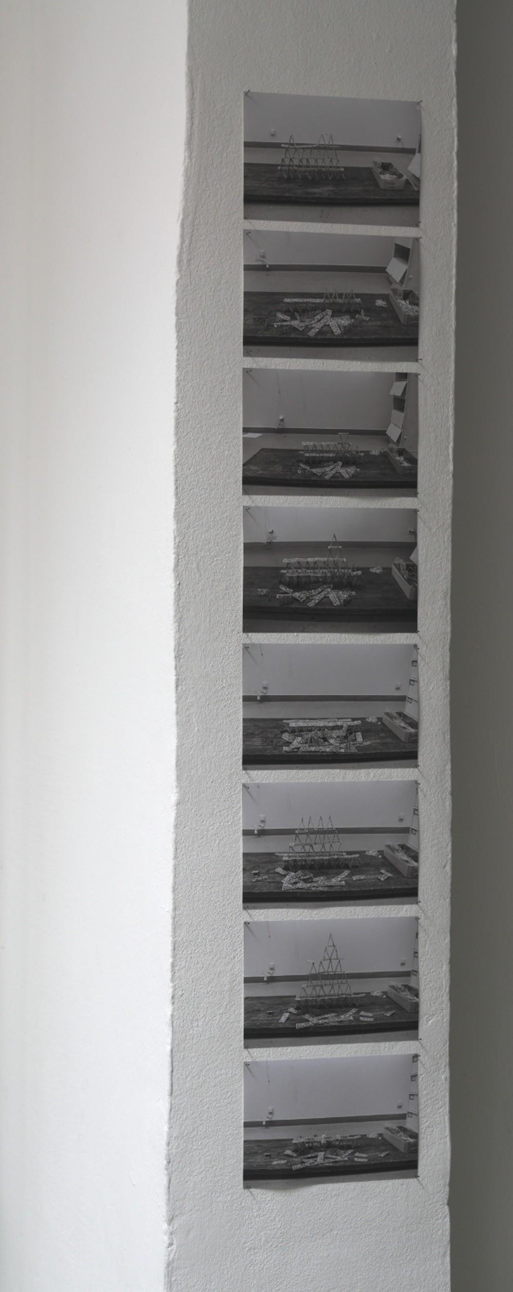 Guillaume Barth – Château LP 400 / Pigmentdruck auf Papier, je 12,3 x 18,6 cm, 2009
