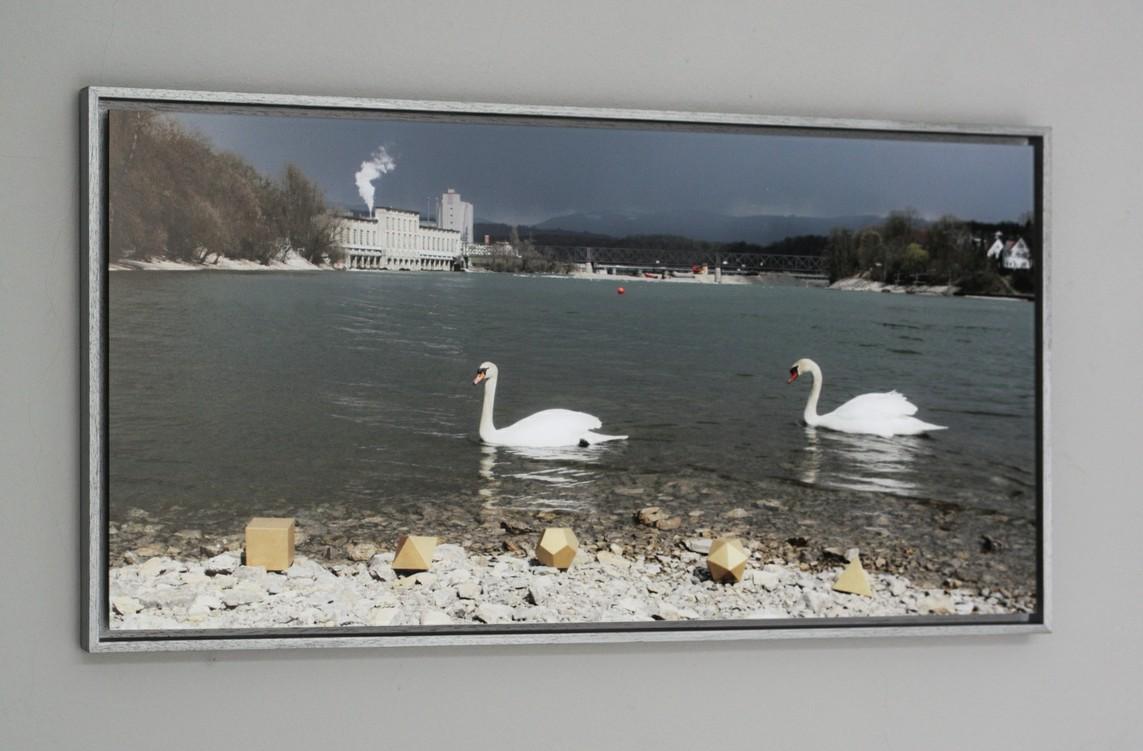 Sandra Simone Schmidt – Platonische Landschaft und altes Wasserkraftwerk Rheinfelden / Landschaftsinstallation/Fotografie, 30 x 60 cm, 2010