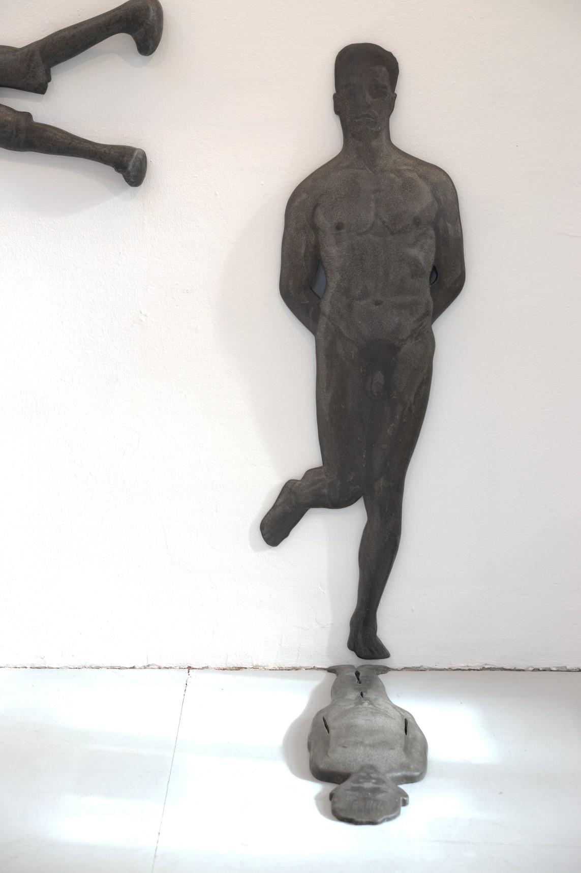»Mann« 2006, Beton/Gravur | »Junge« 2006, Beton/Gravur