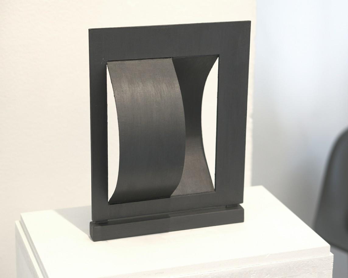 Forma przestrzenna (Räumliche Form), 1965, Papier-Model der 1965 in Elbląg errichteten Skulptur, 26 x 20 x 11 cm