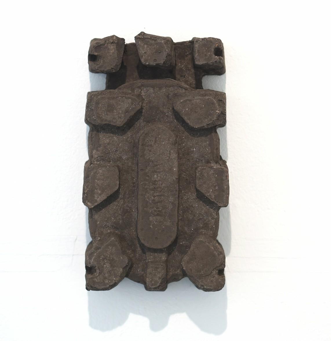 Umverpackung 12, 2018, Ton, Sprühbrand, 12 x 27 x 7 cm