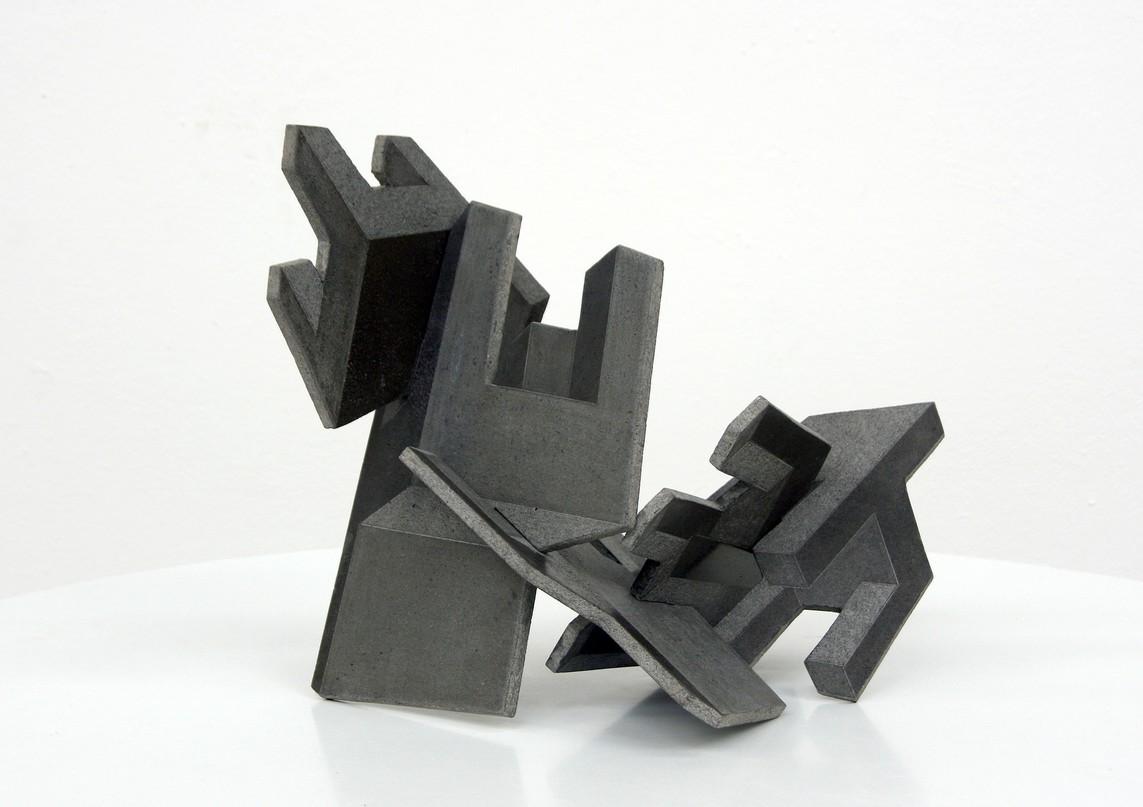 """Fünf Stühle"", Beton / Gravur, 33 x 38 x 32 cm, 2010"