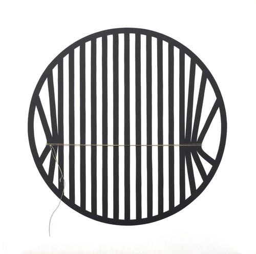 »Bindung im Kreis« Scherenschnitt, Papier, Schnur, 70 x 70 cm, 1982